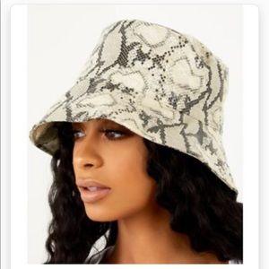 SORELLA SNAKESKIN BUCKET HAT IN IVORY